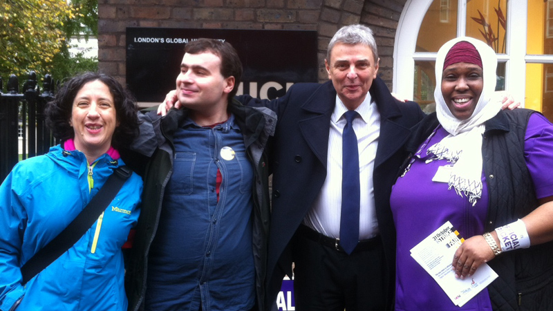 UNISON general secretary Dave Prentis joins HE workers on the picket line at London's UCL