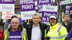 2015-11-02. Mill Hill East, London, UK. Unison General Secretary Dave Prentis joins striking Barnet Council workers on a picket at Mill Hill Depot in north London. Barnet Council workers have set up picket lines across the borough as part of an ongoing fight against outsourcing and cuts.  // Licencing Contact: paul@pauldaveycreative.co.uk Mobile 07966 016 296